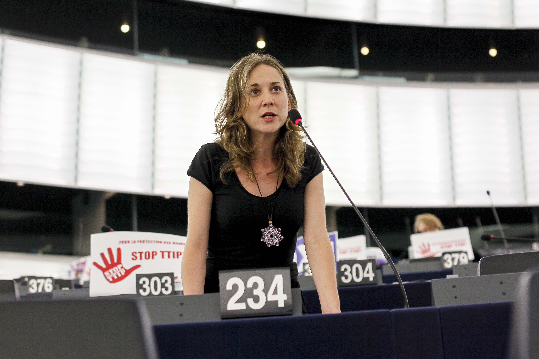 Marina Albiol participa en la missió del Parlament Europeu a Madrid per investigar els bebès robats
