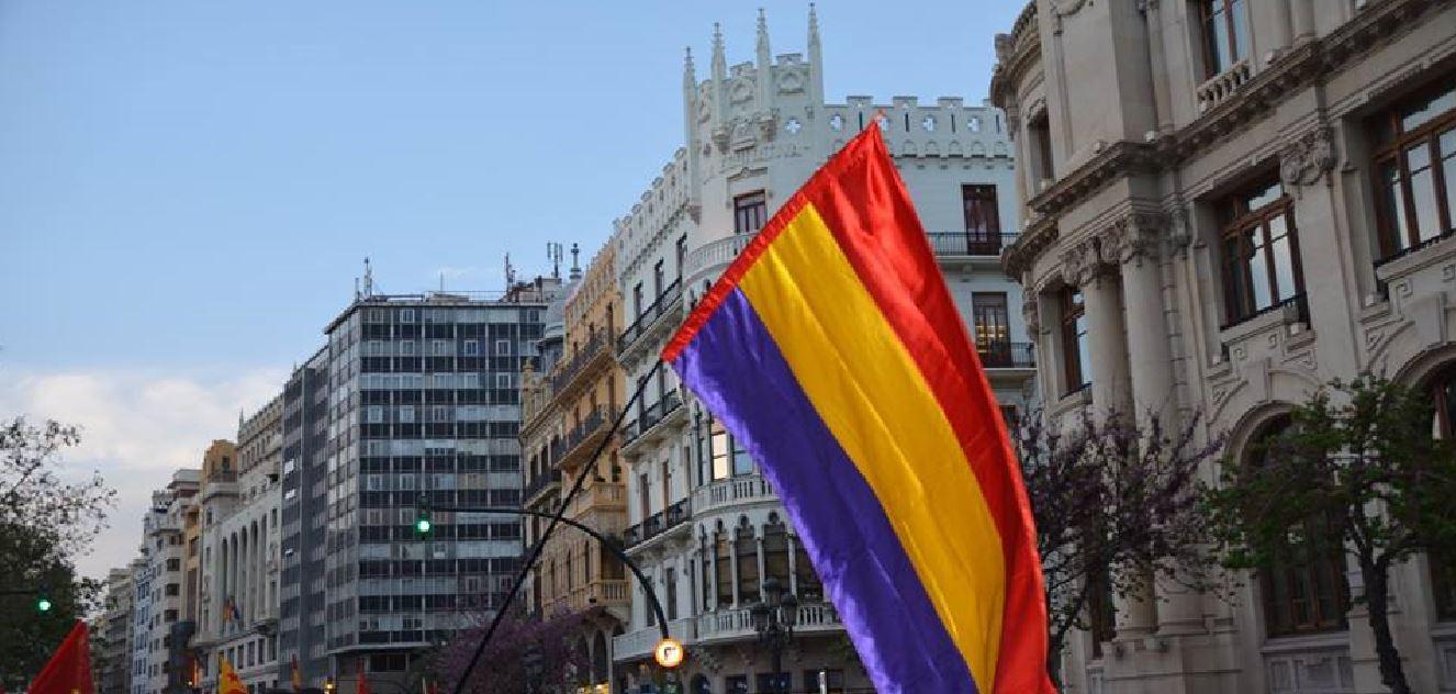 EUPV rechaza la amenaza antidemocrática de Moragues a los Ayuntamientos  que cuelguen banderas republicanas